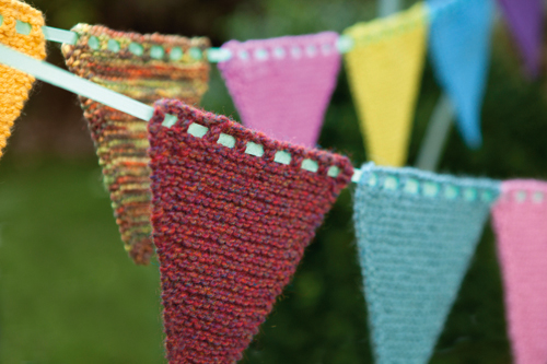 Bunting Knitting Pattern : Free Knitted Bunting Pattern! - Buttons and Beeswax